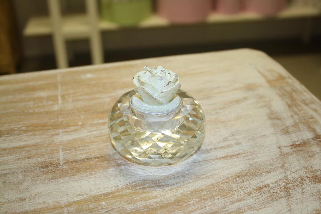 4dc4bfa8116 Klaasist ümmargune teeküünla alus. Mõõt 8x4cm